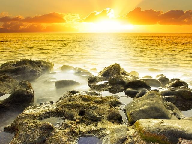 Рассвет над морем, картинка к стихам Анны Купровской